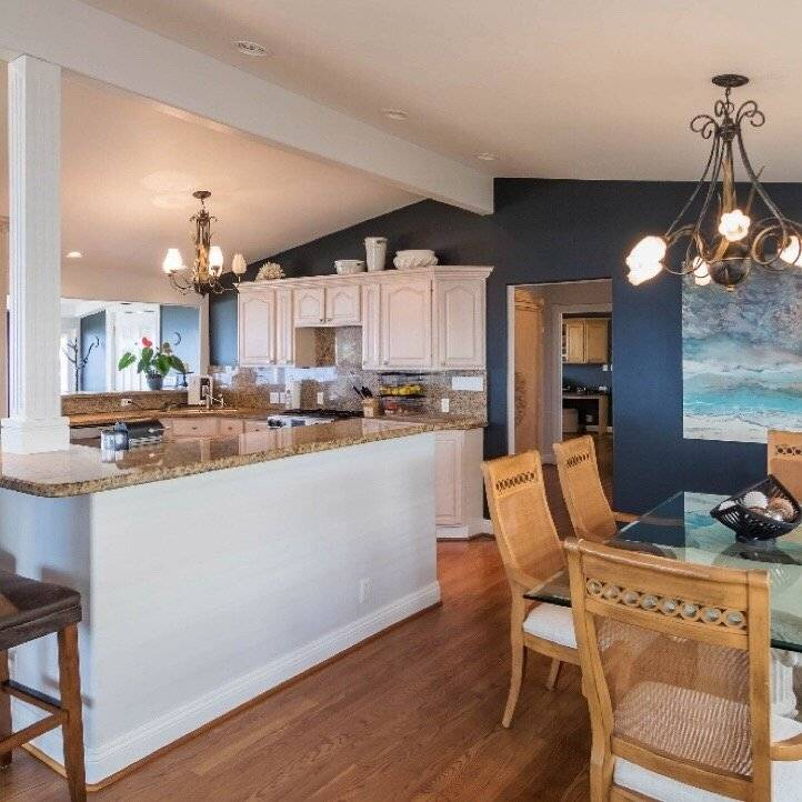 Beautiful countertops and dining area