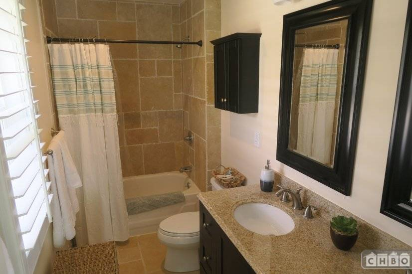 image 7 furnished 3 bedroom House for rent in Kailua, Oahu