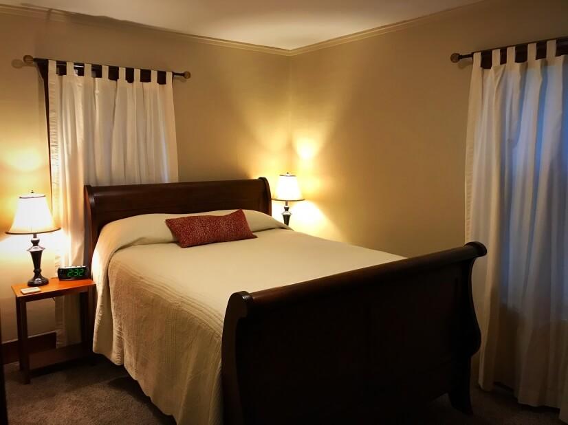1st bedroom-NEW QUEEN size bed
