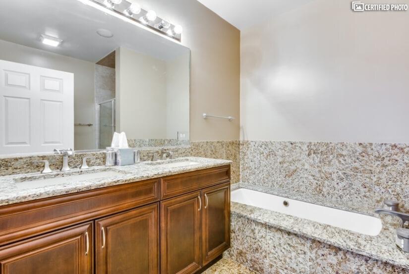 Luxury Master Bath w/double sinks, over sized Jacuzzi Tub