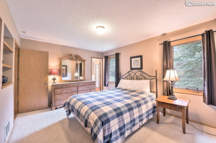 image 14 furnished 4 bedroom House for rent in Woodbury, Twin Cities Area