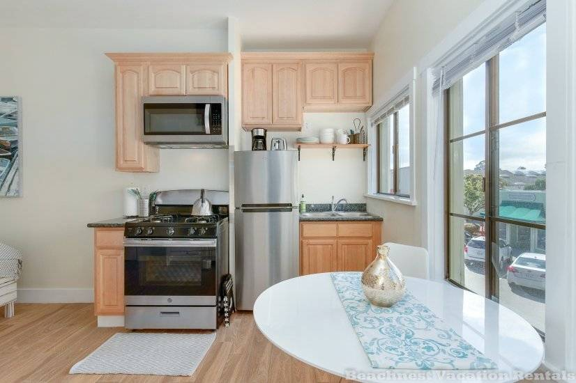 image 4 furnished Studio bedroom Apartment for rent in Santa Cruz, Monterey Bay