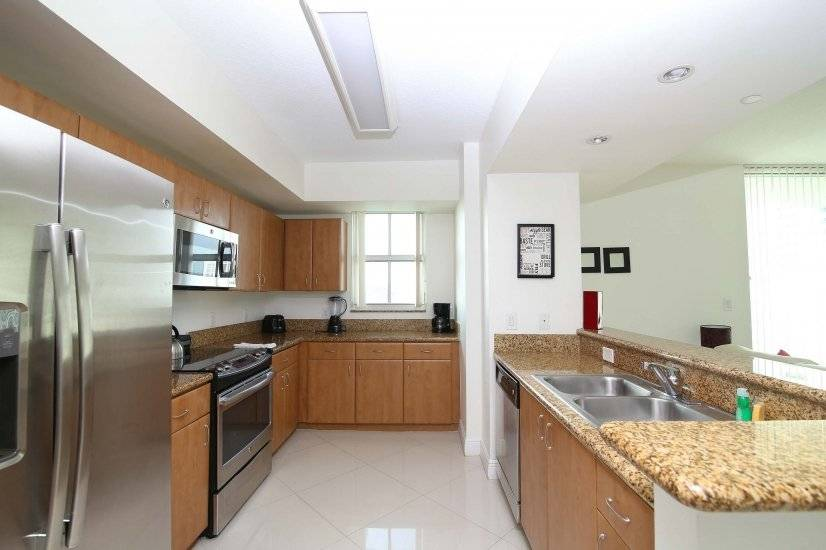 image 17 furnished 2 bedroom Apartment for rent in Coral Gables, Miami Area