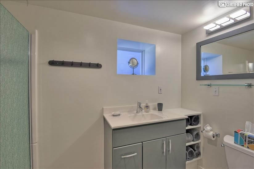 Newly remodeled bathroom with quality towels