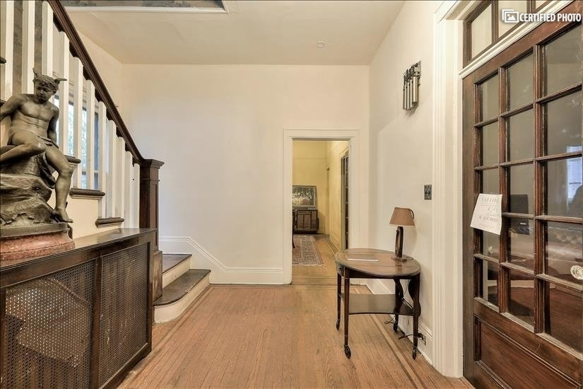 image 5 furnished 4 bedroom House for rent in Fort Lee, Bergen County