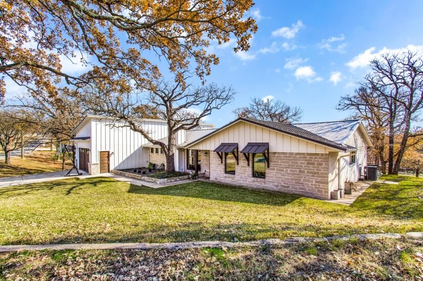 image 2 furnished 5 bedroom House for rent in Lake Dallas, Denton County