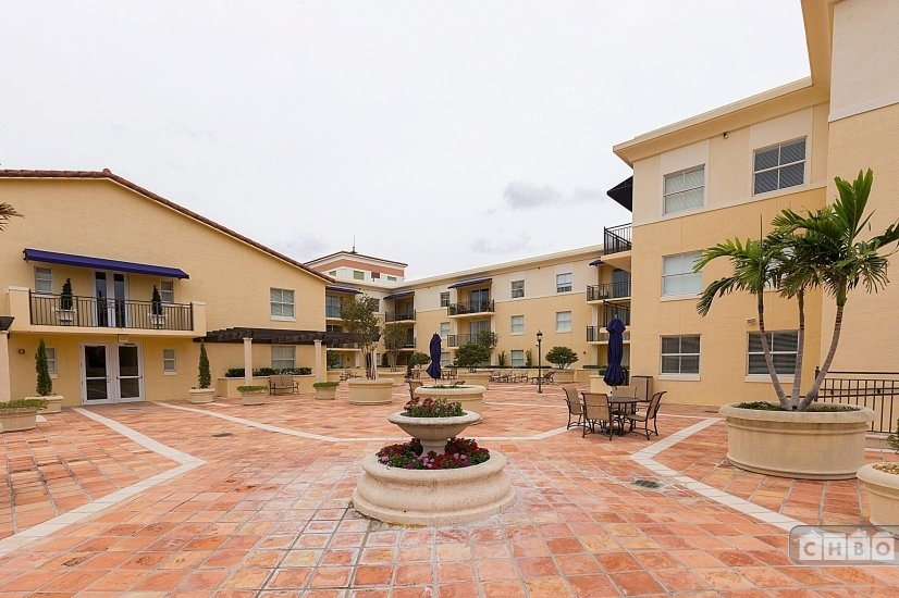 image 7 furnished 2 bedroom Apartment for rent in Coral Gables, Miami Area