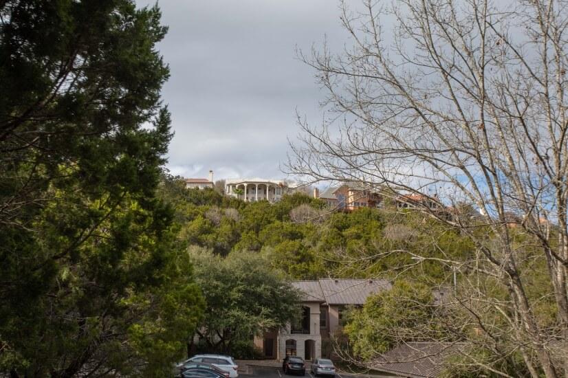 Multi-million dollar homes on the hills!