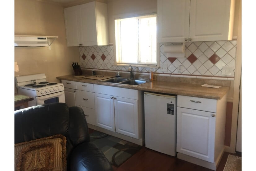 Kitchenette completely furnished