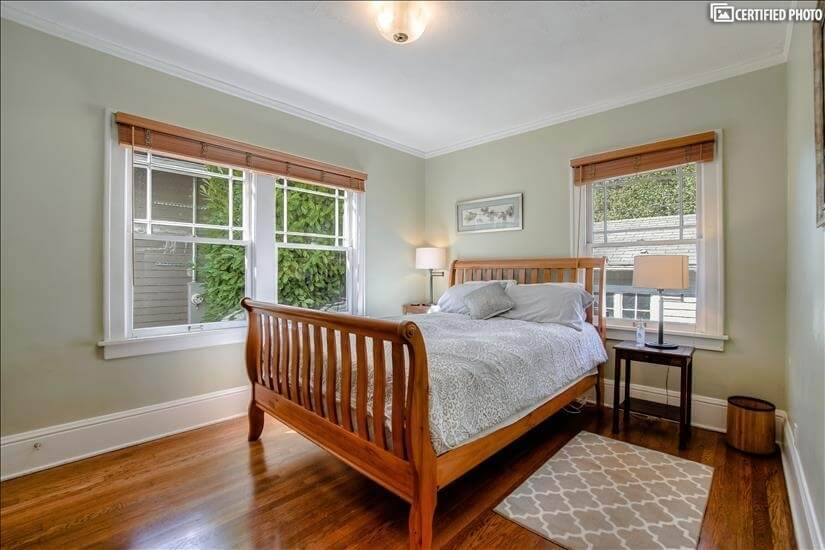 """""""Spacious and well-furnished rooms"""" Gordon, 2"""