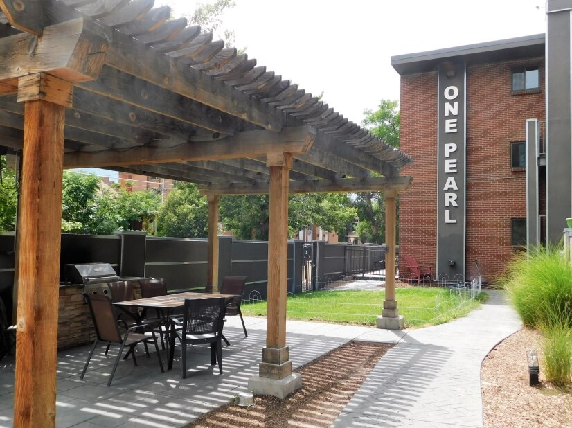 Courtyard & Grill