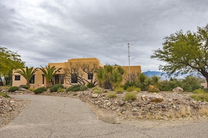 image 2 furnished 4 bedroom House for rent in Pima (Tucson), Old West Country