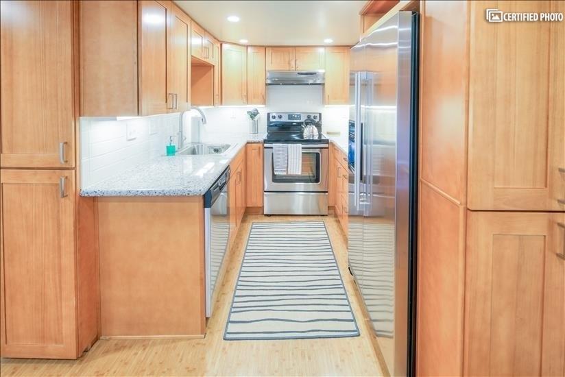 Perfect sized full kitchen