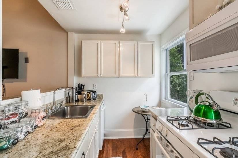 image 5 furnished 2 bedroom Townhouse for rent in Garden District, New Orleans Area