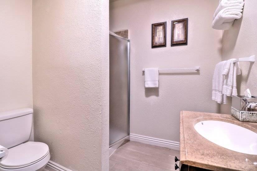 Guest bathroom - photo 1