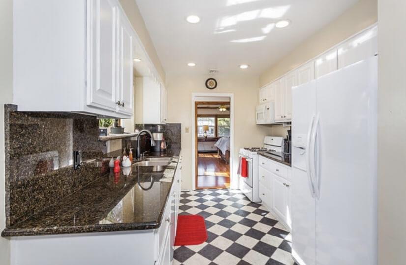 image 9 furnished 3 bedroom House for rent in Burbank, San Fernando Valley