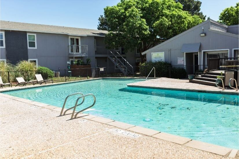 Nice clean pool area with fitness center and tanning bed