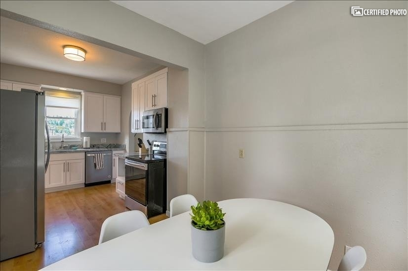 image 7 furnished 3 bedroom Townhouse for rent in Queen Anne, Seattle Area