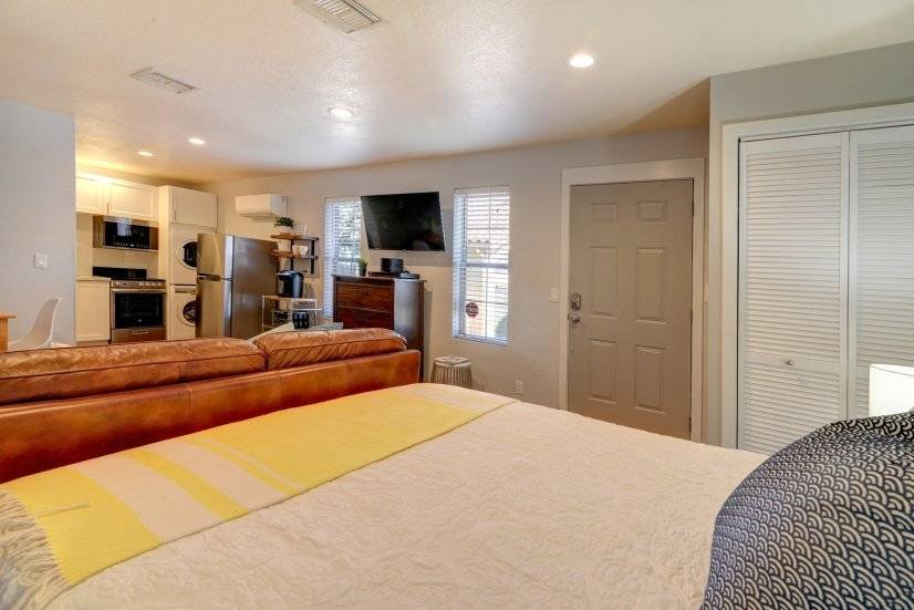 bed/kitchen view