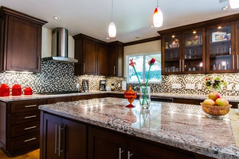 Gorgeous state of the art gourmet kitchen, fountain view
