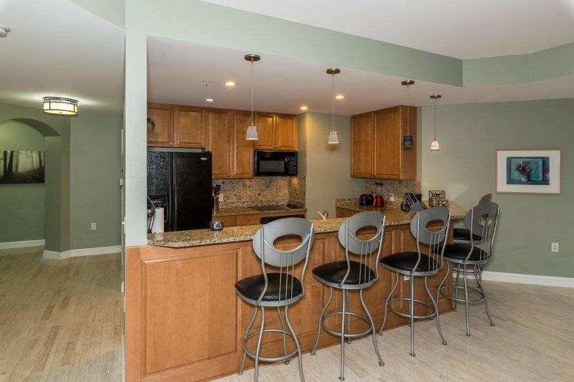 image 10 furnished 3 bedroom Townhouse for rent in Lincoln Park, Denver Central