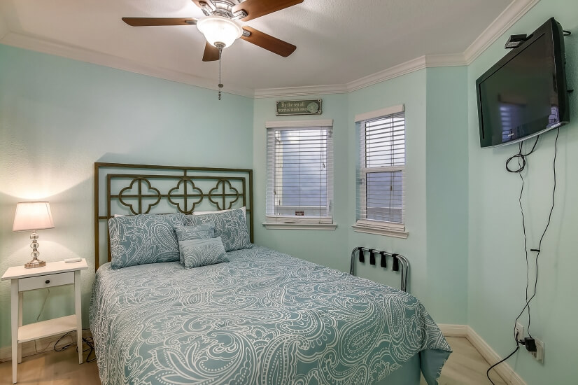 Seascape Bedroom with Tranquil Decor
