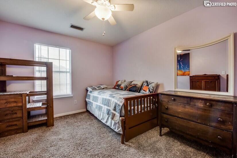 3rd upstairs bedroom, nice newer mattress all