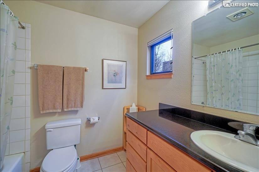 image 15 furnished 2 bedroom Townhouse for rent in Portland Downtown, Portland Area