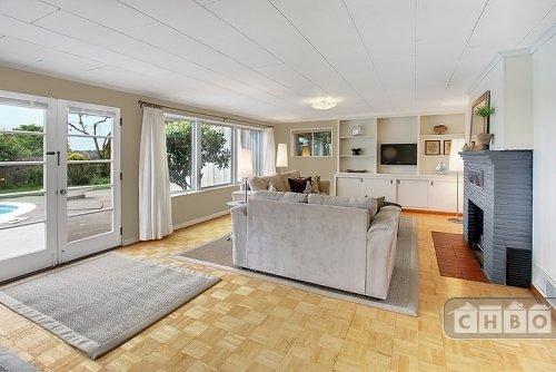 Livingroom longview
