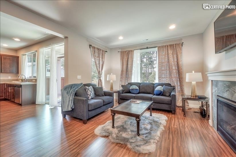 image 12 furnished 4 bedroom House for rent in Puyallup, Seattle Area