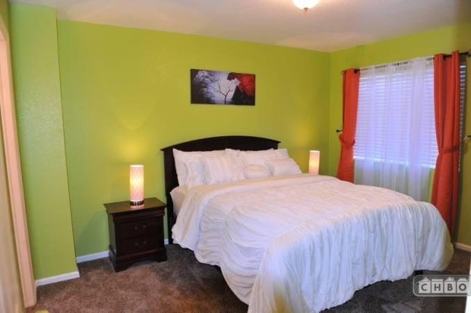 image 8 furnished 3 bedroom House for rent in Gateway, Denver Northeast