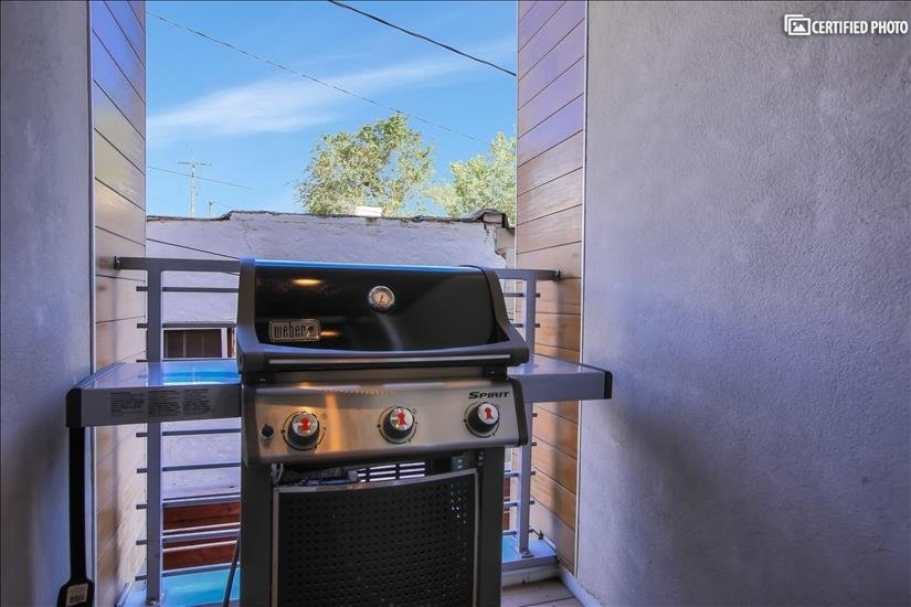 4th Main Level Deck with Weber BBQ Grill