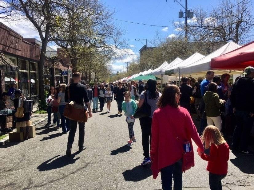 Ballard's year-round Sunday farmers market