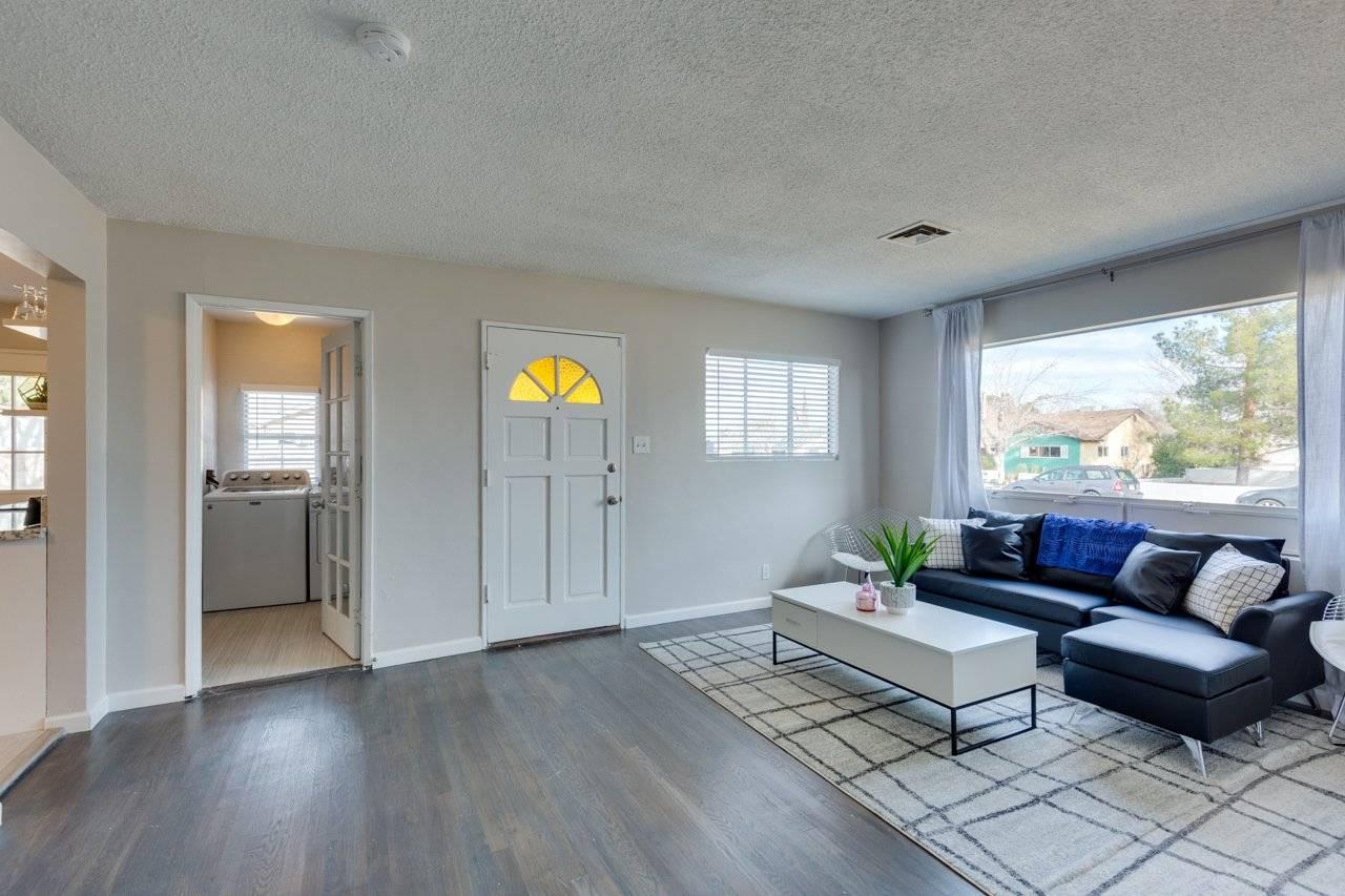 image 7 furnished 2 bedroom House for rent in Southwest Las Vegas, Las Vegas Area