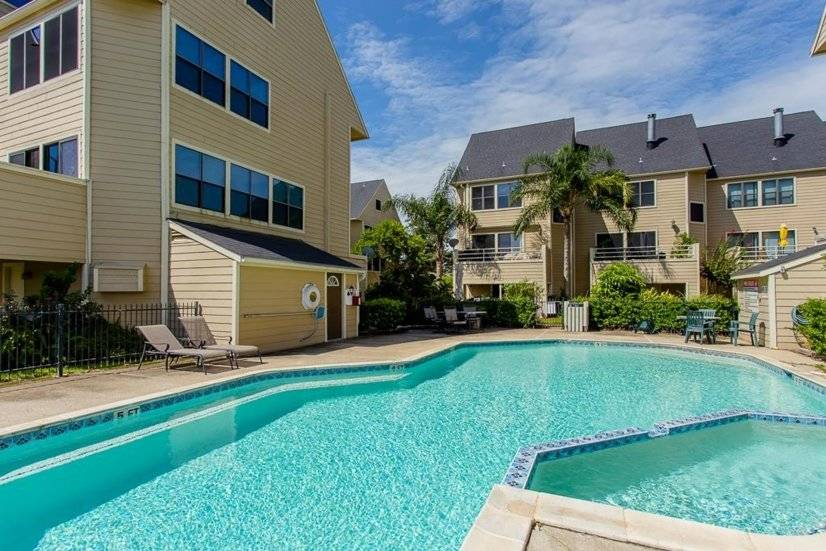 image 14 furnished 3 bedroom Townhouse for rent in League City, SE Houston