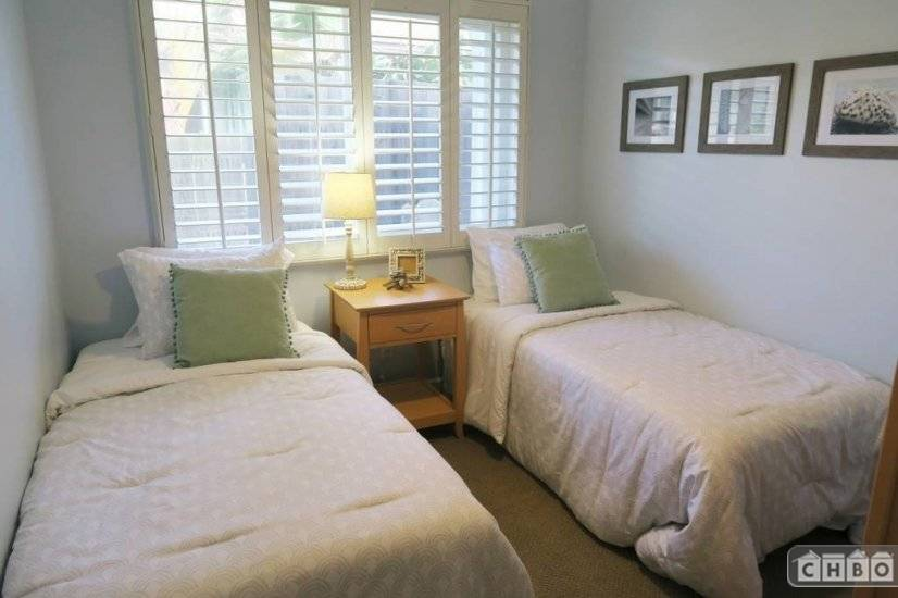 image 9 furnished 3 bedroom House for rent in Kailua, Oahu