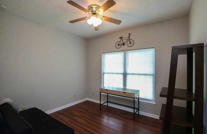 Office space or 3rd bedroom