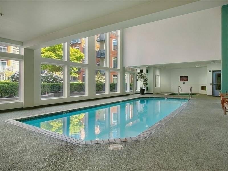 Beautiful indoor pool, hot tub & dry sauna