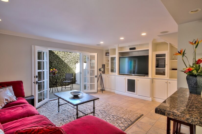 image 3 furnished 4 bedroom House for rent in Huntington Beach, Orange County