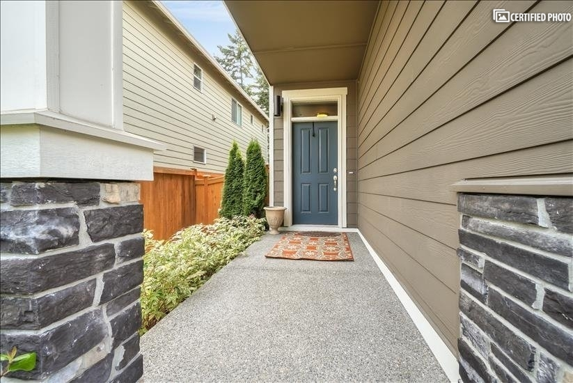 image 4 furnished 4 bedroom House for rent in Puyallup, Seattle Area