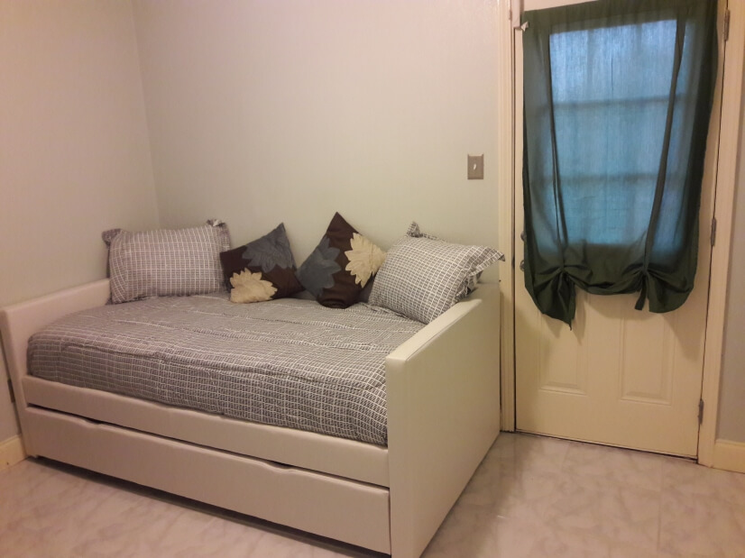 Guest bedroom #2 w/trundle