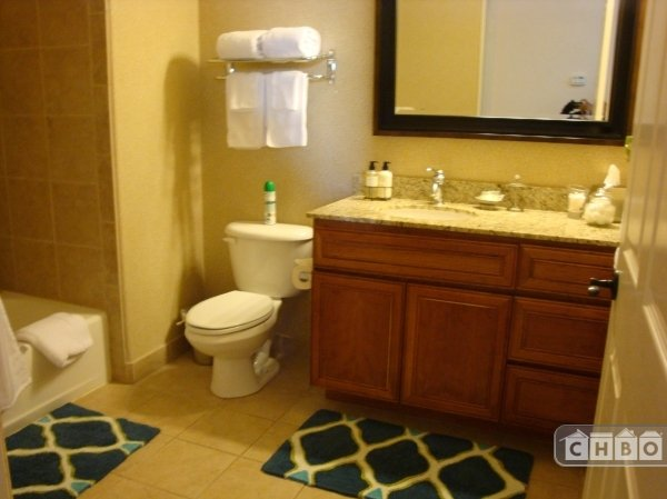 GOLD decor Bathroom with crown molding