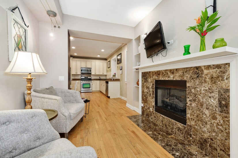 image 5 furnished 2 bedroom Townhouse for rent in Rogers Park, North Side