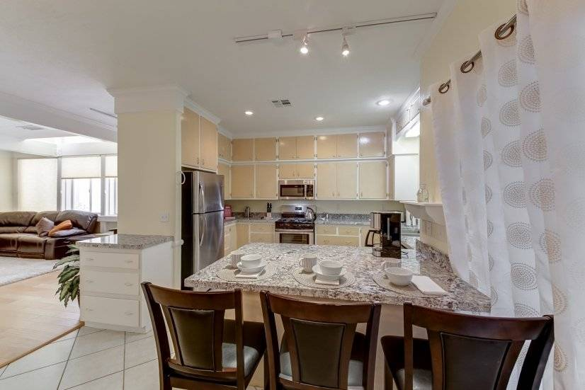 image 6 furnished 4 bedroom Townhouse for rent in Paradise, Las Vegas Area