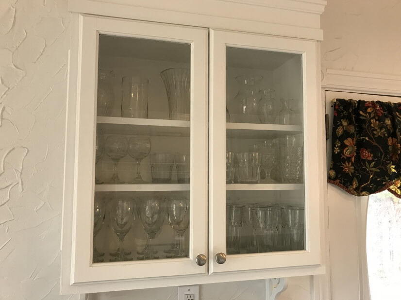 Kitchen Cabinet with glassware