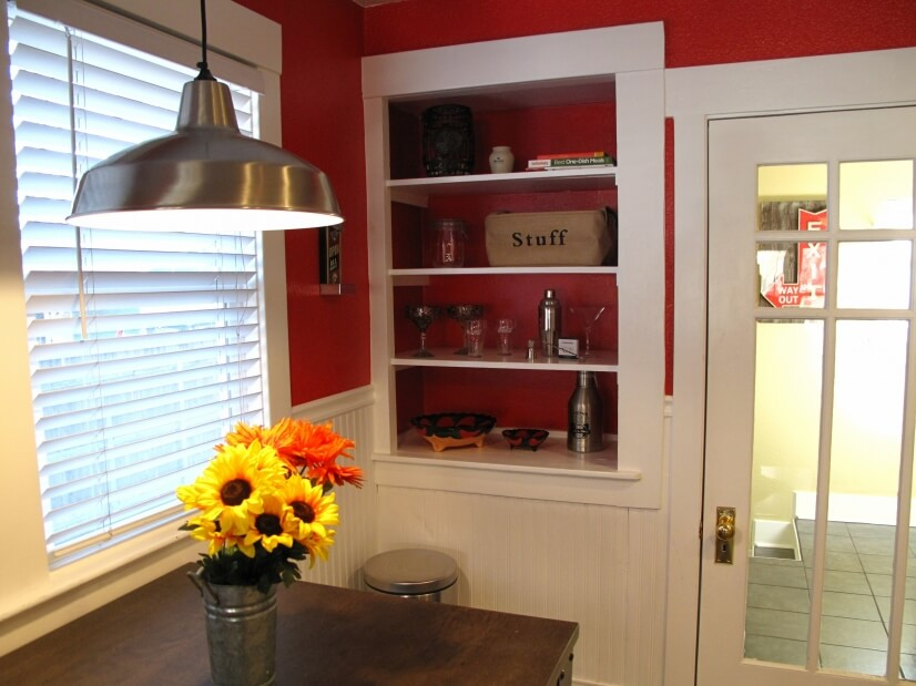 Dining to laundry room
