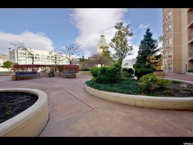 Parc 5th floor outdoor terrace space