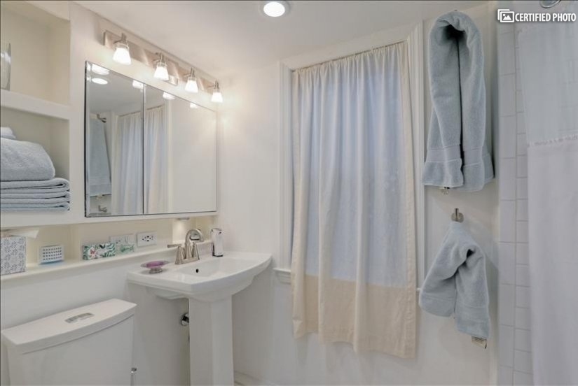 image 16 furnished 1 bedroom House for rent in Arlington, DC Metro