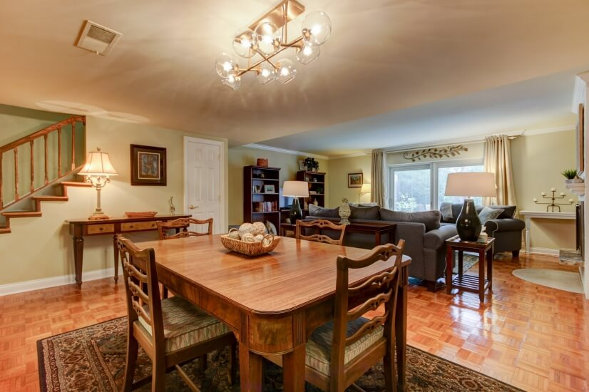 Open Floor plan-Dining room opens into living room area