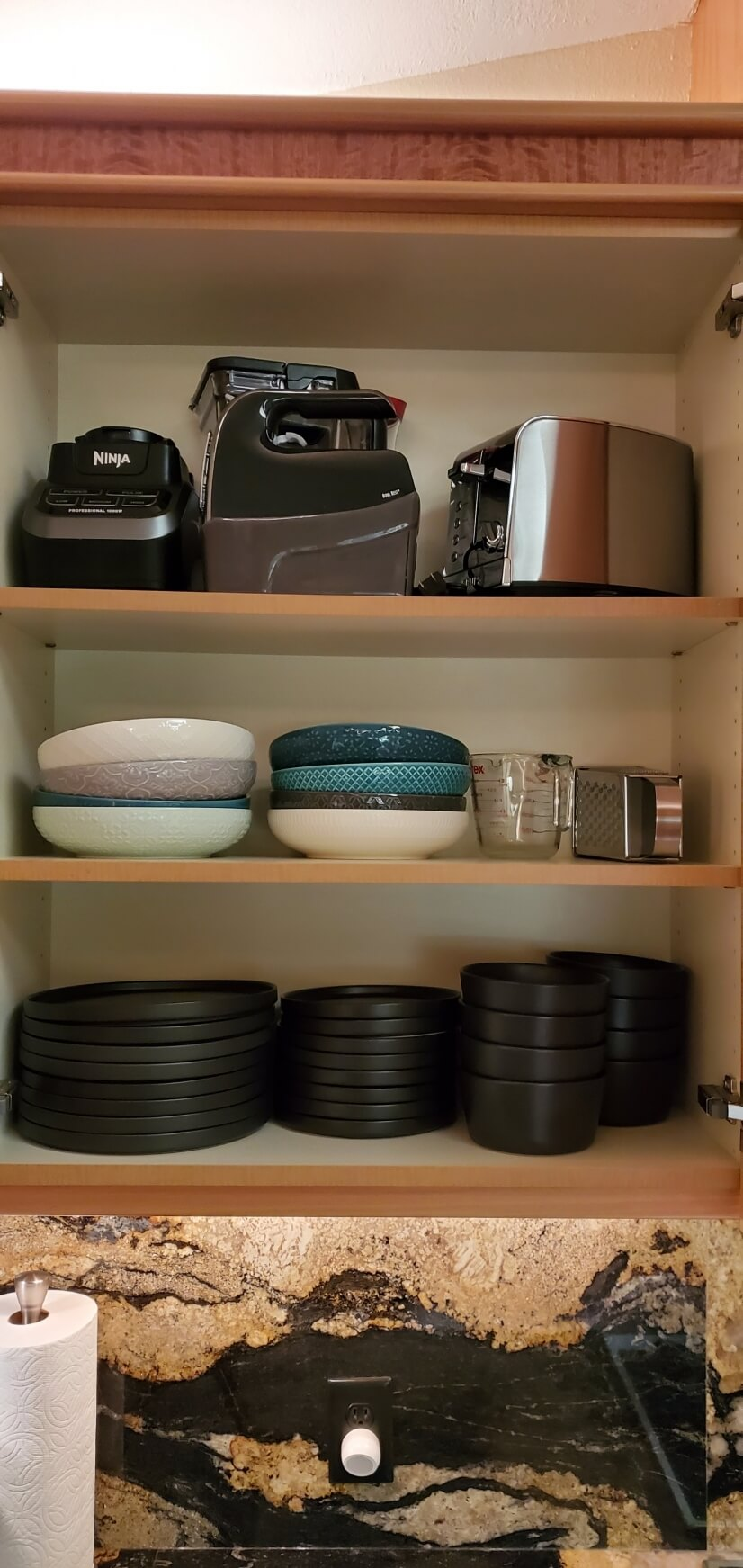 Small Appliances and plenty of plates